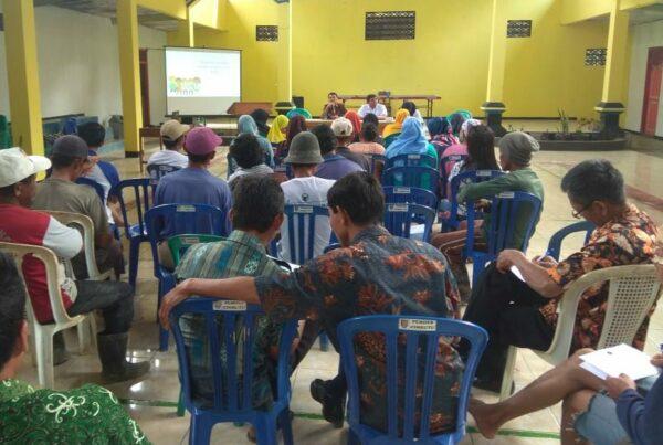 Diseminasi Informasi P4GN Melalui Insert Konten dalam kegiatan Penyuluhan Bahaya Narkoba Kepada Masyarakat Desa Cimrutu Kecamatan Patimuan
