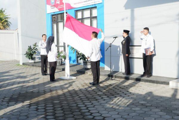 Upacara Bendera Dalam Rangka Memperingati HUT Kemerdekaan RI Ke-74 di Lingkungan BNN Kabupaten Cilacap
