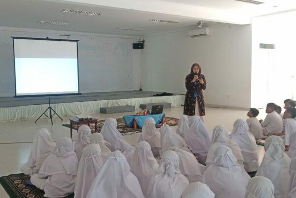 Sosialisasi P4GN pada Kegiatan Pencegahan Bahaya Rokok dan Narkoba bagi Insan manusia di SD Al Azhar Cilacap