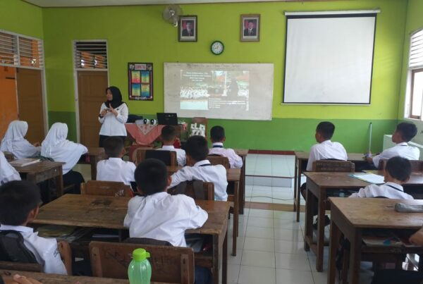 BNN Kabupaten Cilacap Sosialisasikan Bahaya Narkoba Pada Siswa Siswi SMP Negeri 4 Cilacap