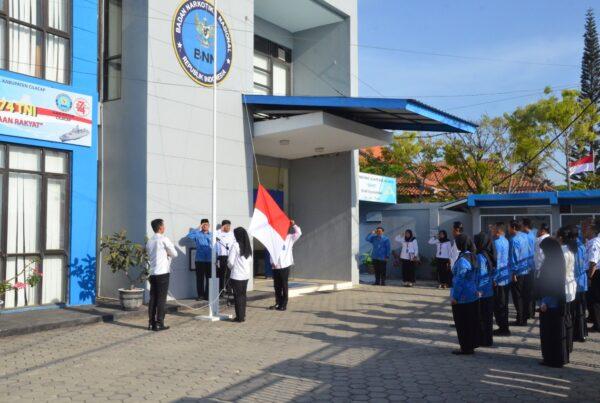 BNN Kabupaten Cilacap memperingati Hari Sumpah Pemuda dengan melaksanakan Upacara Bendera
